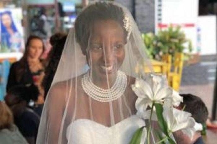 bosan ditanya kapan menikah, wanita ini pilih nikahi dirinya sendiri