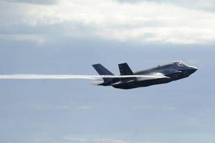 Jet tempur mematikan F-35 memiliki sistem manajemen data yang canggih