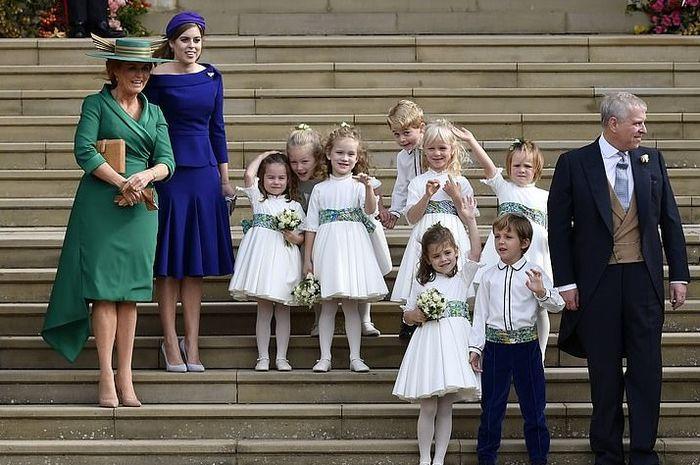 Lucu! Putri Robbie Williams Bertanya Pada Ibu Putri Eugenie, Kamu Ratu Atau Putri?