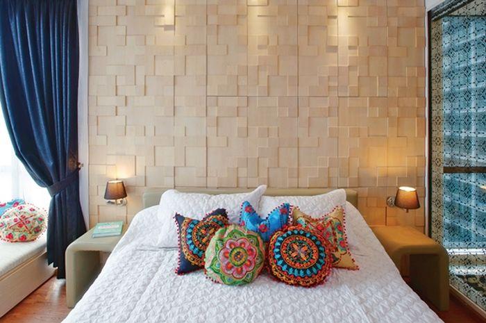 Suasana kamar tidur bersama pasangan yang lebih romantis
