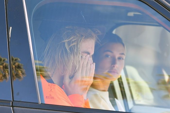 Justin Bieber looks worse for wear as he and Hailey Baldwin drive to their Pastor's house in Beverly Hills. Justin Appears to be crying. 11 Oct 2018 Pictured: Justin Bieber and Hailey Baldwin. Photo credit: Snorlax / MEGA TheMegaAgency.com +1 888 505 6342 (Mega Agency TagID: MEGA290863_001.jpg) [Photo via Mega Agency]