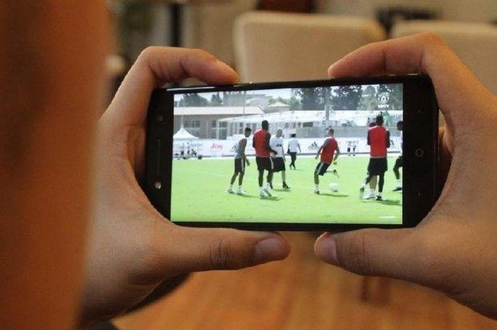 Video Cara Mudah Nonton Tv Langsung Di Hape Jangan Terlewat Nonton Bola Atau Sinetron Semua Halaman Nextren Grid Id