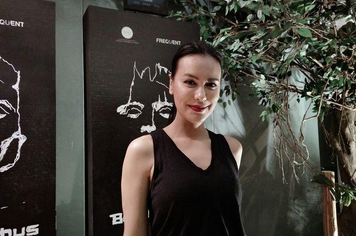 Sophia Latjuba melakukan gladi resik untuk pementasan Bawi Lamus.