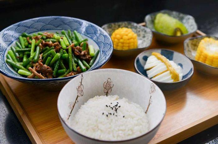 Akankah mengurangi nasi putih akan cepat turunkan berat badan?