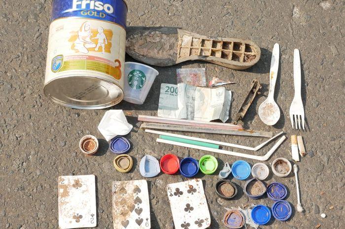 Beberapa jenis barang yang ditemukan di sepanjang jalur Car Free Day.