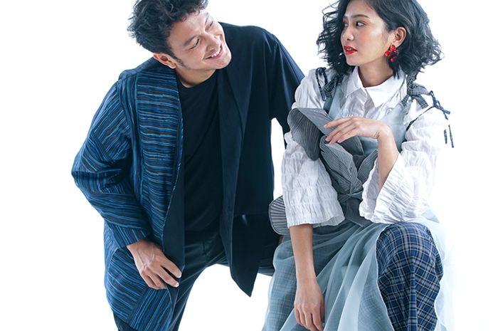 Bunga Zainal dan Dimas Anggara ketika photoshoot di kantor redaksi NOVA