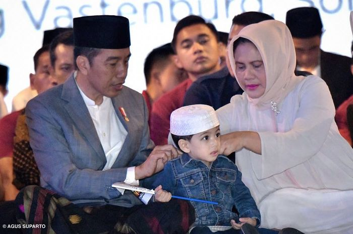 Jan Ethes bersama Presiden Republik Indonesia Joko Widodo (Jokowi) dan Iriana Jokowi tengah menghadiri Hari Santri Nasional