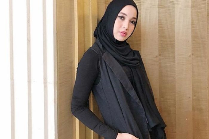Chacha Frederica foto bareng hijab squad