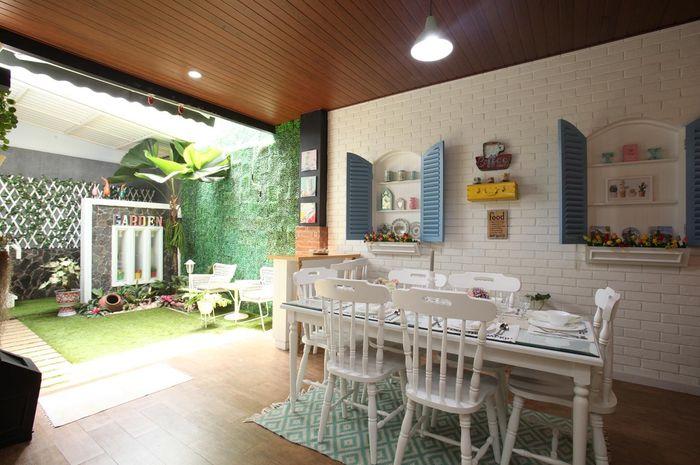Inspirasi Desain Ruang Makan Asri Bersebelahan dengan Taman Semua