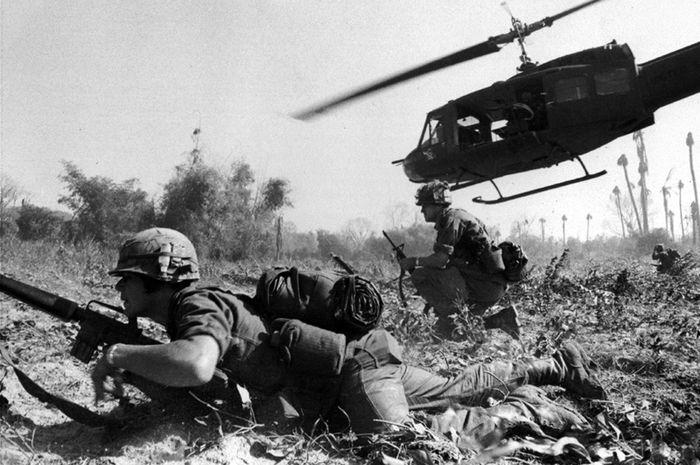 Pertempuran La Drang yang menjadi bagian dari Perang Vietnam.