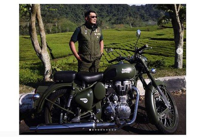 Ridwan Kamil dan tunggangannya. (@ridwankamil)
