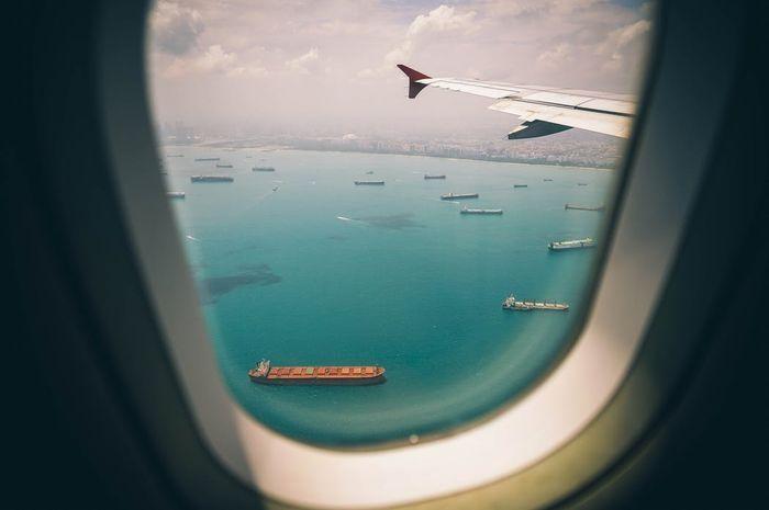 Ilustrasi Catat, lakukan ini jika pesawat mendadak darurat di atas air