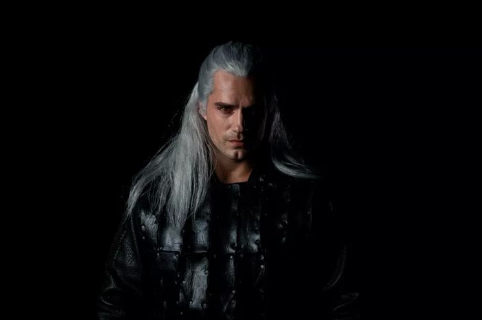 Henry Cavill sebagai Geralt dalam serial The Witcher