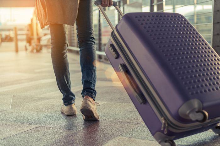 Koper menjadi salah satu penemuan yang memudahkan pelancong saat bepergian.