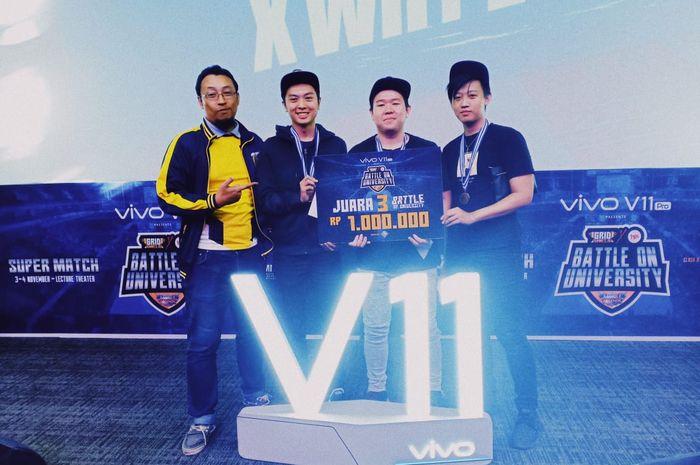 Tim XWHYZ mendapatkan juara ketiga tingkat Universitas pada event Battle on University yang dipersem