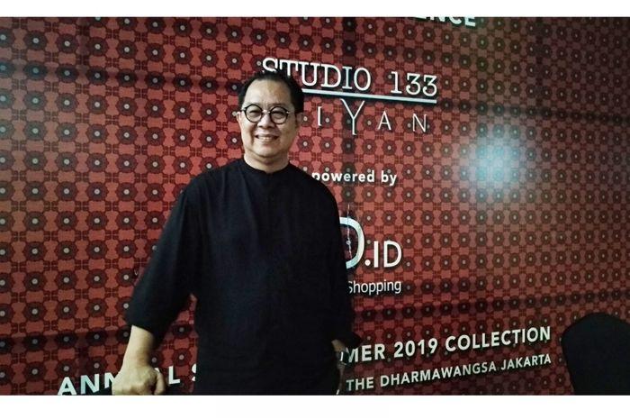 Biyan Wanaatmadja, saat peluncuran koleksi Studio 133, Juxtaposition, hari Selasa (6/11/2018) di Hotel Dharmawangsa, Jakarta Selatan