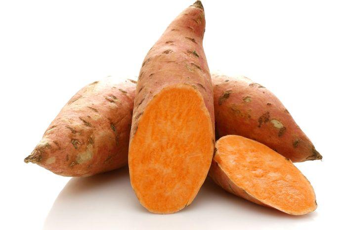 Ubi jalar bermanfaat bagi kesehatan karena mengandung vitamin C dan A.