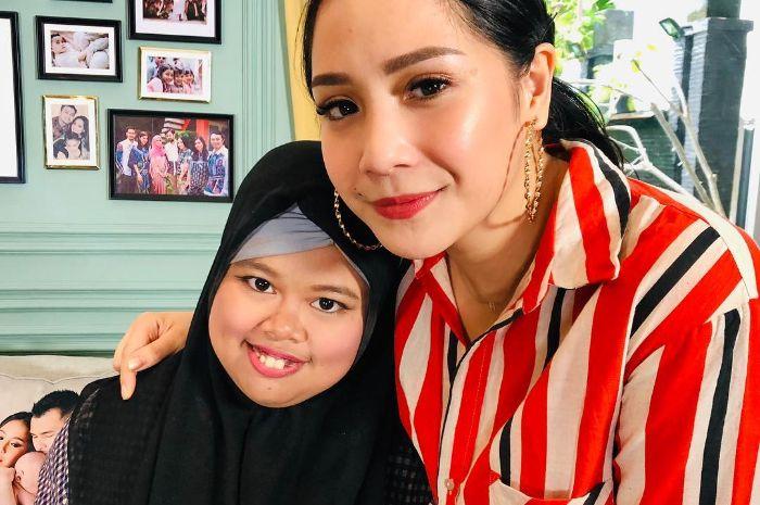 Nagita Slavina bertemu dengan Rahma Kekey.