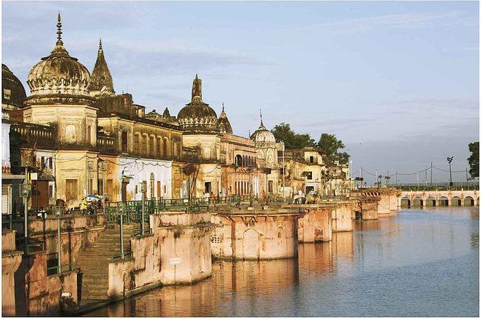 Kota Ayodhya di India