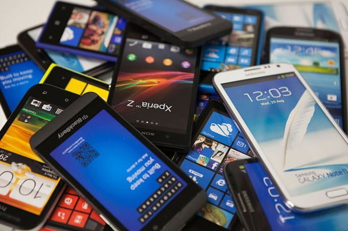 Hindari tipe ponsel berikut ini jika gak mau nyesel