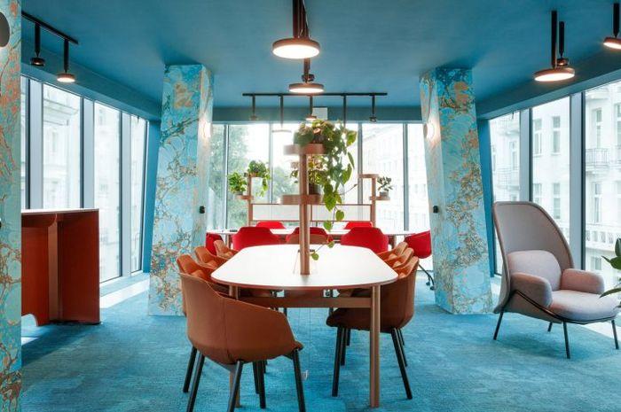 Co-working Space Ini Bertema Aquamarine, Gak Terlihat Seperti Kantor!
