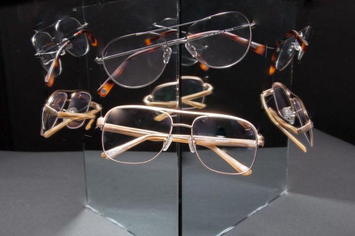 Pilihan kacamata dapat ungkap kepribadian seseorang