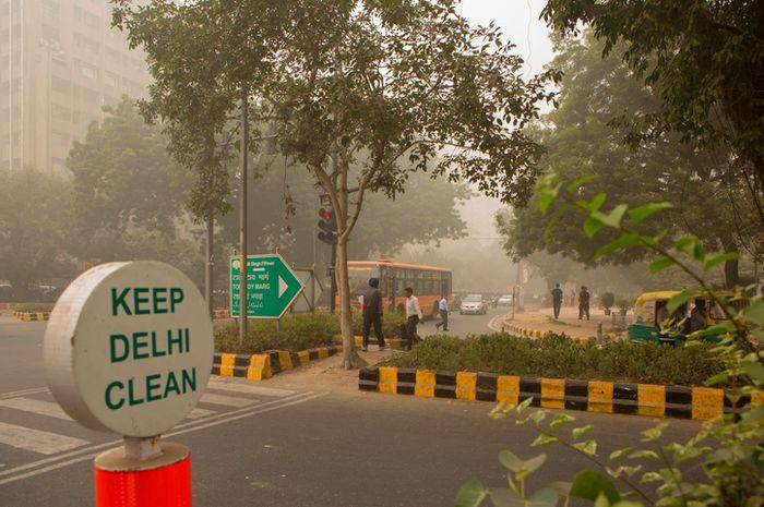 Delhi dikenal sebagai kota dnegan kualitas udara terburuk.