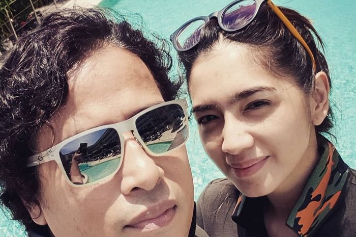 Rayakan Ulang Tahun Jose Purnomo di Pantai, Angel Karamoy Beri Kode Balikan?