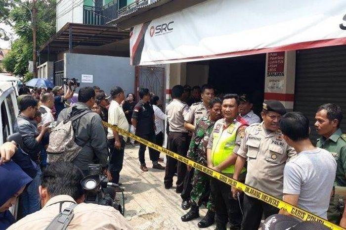 Pembunuhan satu keluarga di Bekasi
