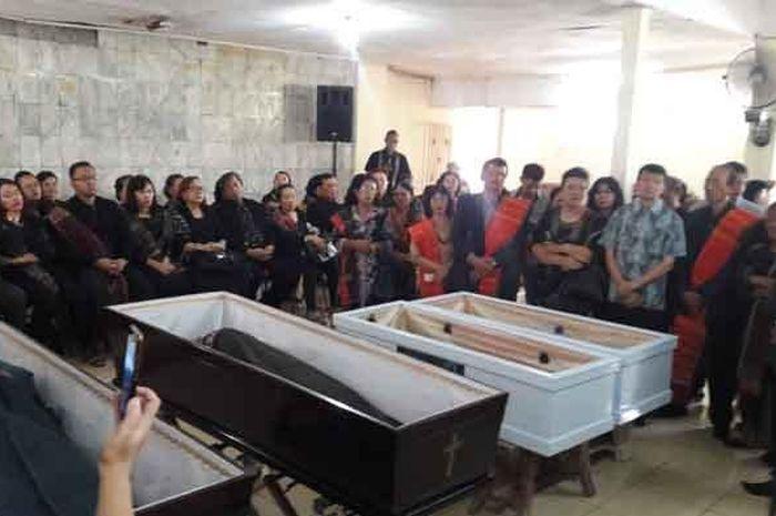 Pembunuhan Satu Keluarga di Bekasi, Bau Amis di Tangan Korban Jadi Pertanda