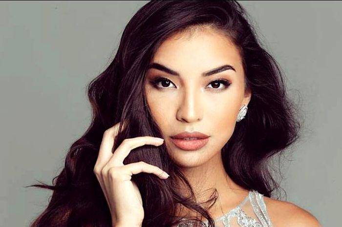 Manohara Odelia Pinot terlhat tampil memikat dengan menggunakan lipstik warna brown nude