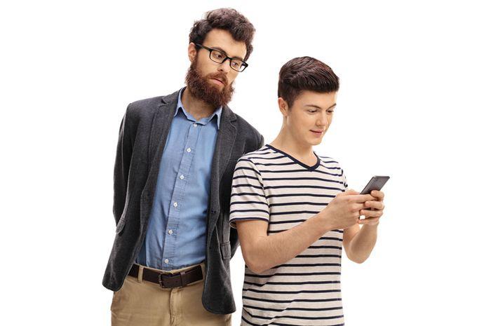 Memantau dan membatasi kebiasaan online anak-anak, memainkan peran penting pada ketenangan orangtua.