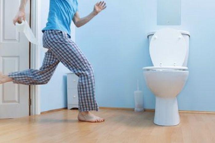 Ilustrasi bergegas ke toilet
