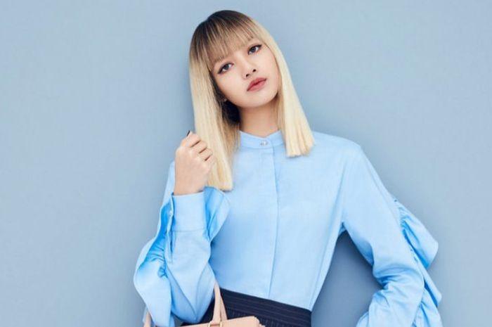 Lisa blackpink terlhat tampil nyentrik dengan gaya rambut ombre warna blonde