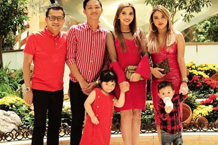 Ashanty dan keluarga
