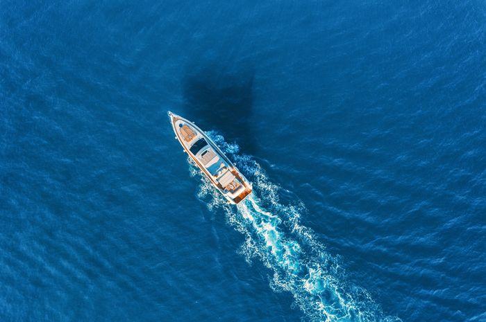 Ilustrasi kapal pesiar.