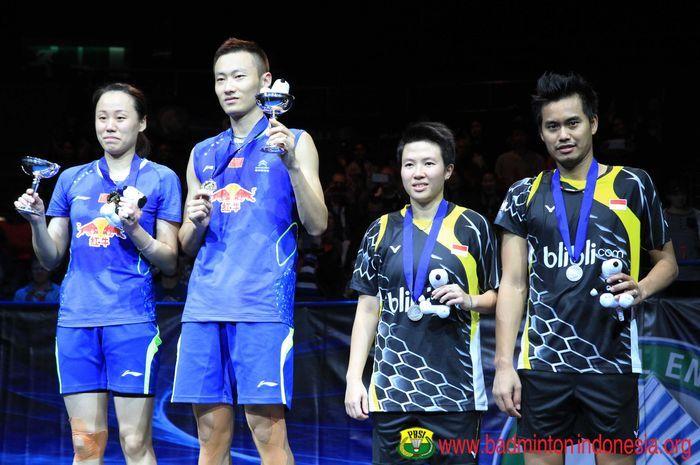 Zhao Yunlei dan Zhang Nan ketika mengalahkan Liliyana Natsi dan Tantowi Ahmad