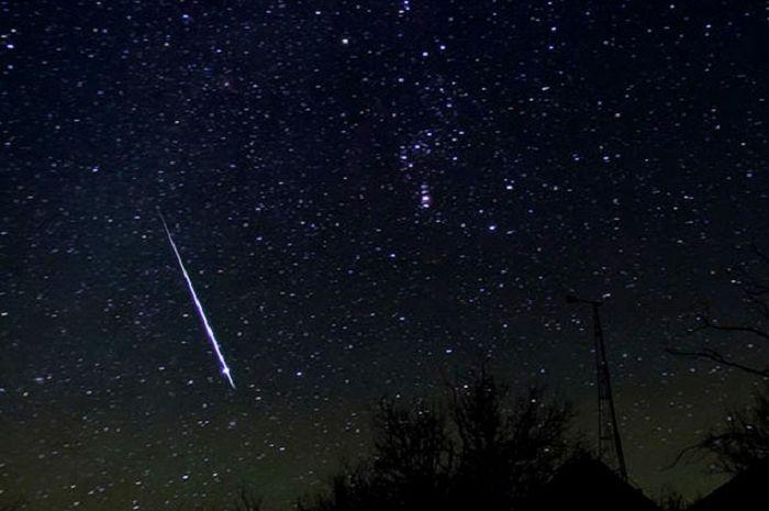 Hujan Meteor Geminid tahun 2004