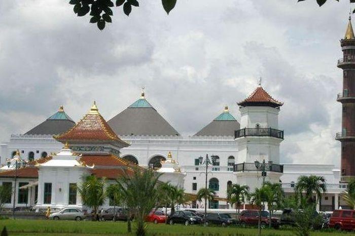Masjid Agung Palembang Perpaduan Arsitektur Tiga Budaya Dan Saksi Bisu Perjuangan Melawan Penjajah Semua Halaman Idea