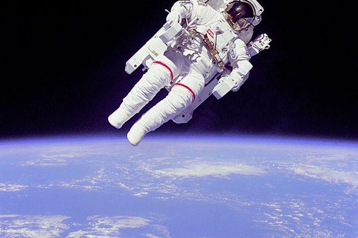 Lebih dari 3000 orang emlamar sebagai astronaut di Uni Emirat Arab