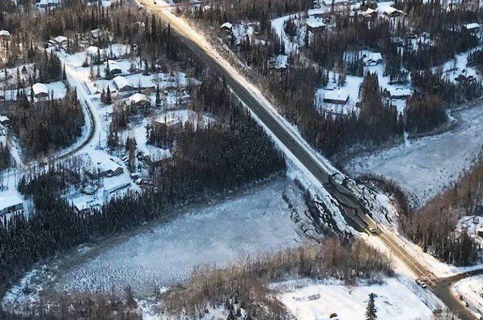 Gempa di Alaska.