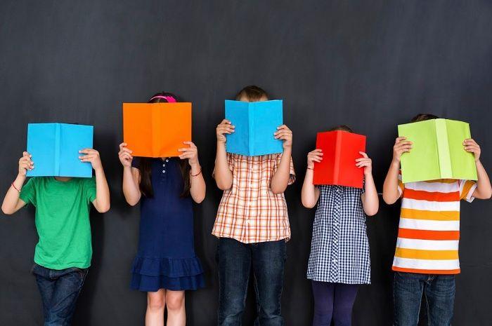 Pola asuh dan Tahapan utama perkembangan anak