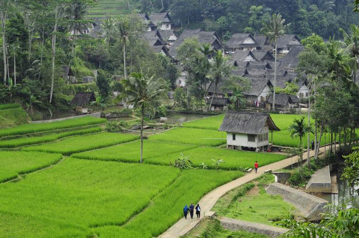 Suasana Kampung Naga.