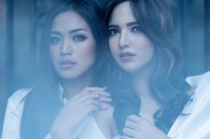 Tiru penampilan kompak Jessica Iskandar dan Nia Ramadhani dengan kebaya encim, friendship goals!