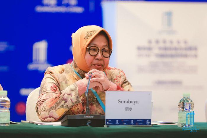 Ibu Tri Rismaharini saat mempresentasikan program lingkungan kota Surabaya di Guangzhou Award
