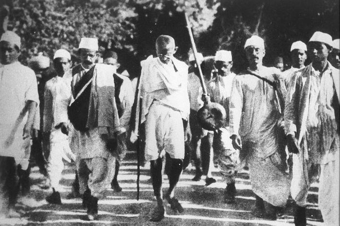 Mahatma Gandhi saat memimpin gerakan untuk memperjuangkan kemerdekaan India