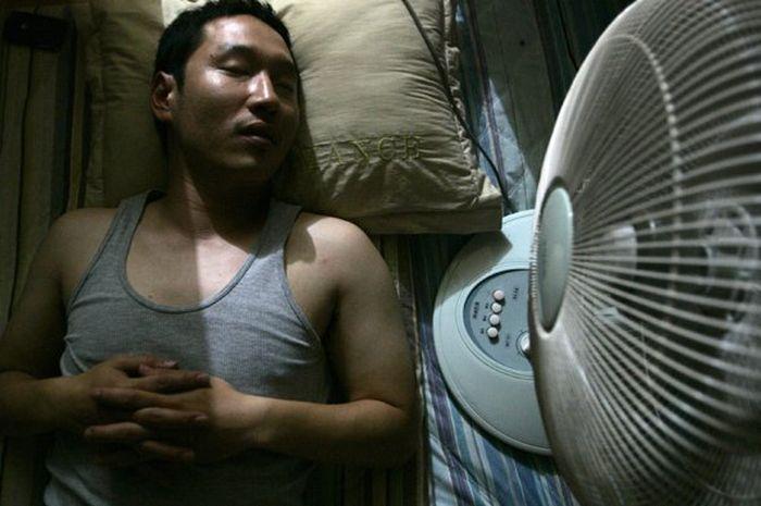 Tidur dengan kipas angin menyala