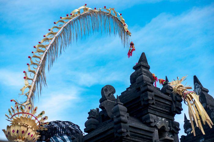 Penjor dalam perayaan Natal di Bali.