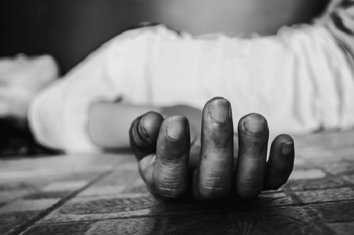 Kisah orang yang hidup dengan mayat