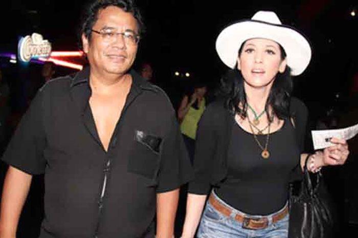 Hotman Paris dan Meriam Bellina datang ke konser bersama